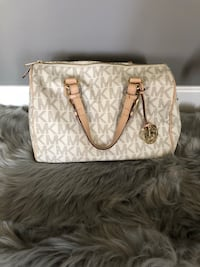 Cream Michael Kors leather tote bag (gently used and cleaned)  Willowbrook