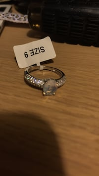 silver-colored clear gemstone solitaire ring 3693 km
