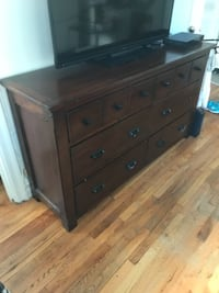 brown wooden 6-drawer lowboy dresser null