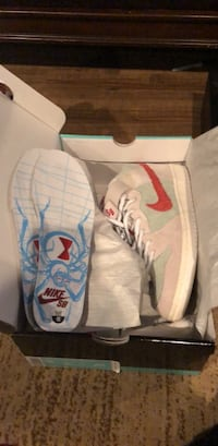 white-and-blue Nike basketball shoes with box Evansville, 47711