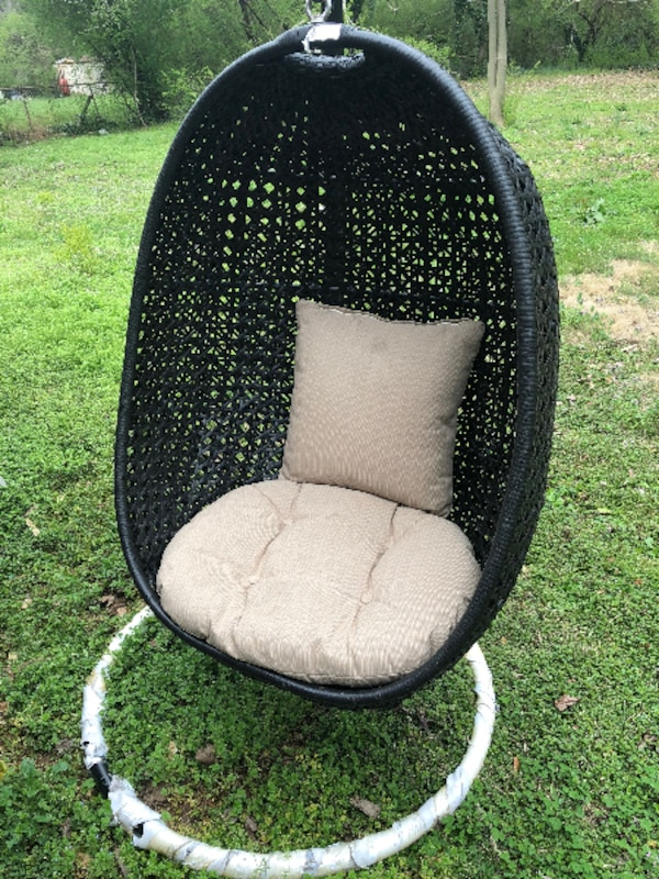 Boho Chic Style Resin Wicker Kambree Rib Hanging Egg Chair With Cushion And Stand