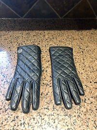 Michael Kors woman's leather gloves Toronto