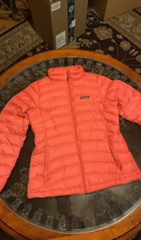 Pink patagonia jacket Fort Washington, 20744