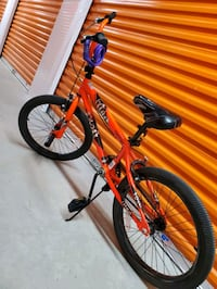 Orange kids bike unisex Waltham, 02451