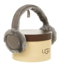 UGG EARMUFFS/HEADPHONES authentic