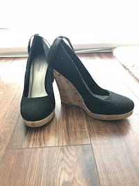 Black suede wedges, 7.5 Maple Ridge, V2X 3A9