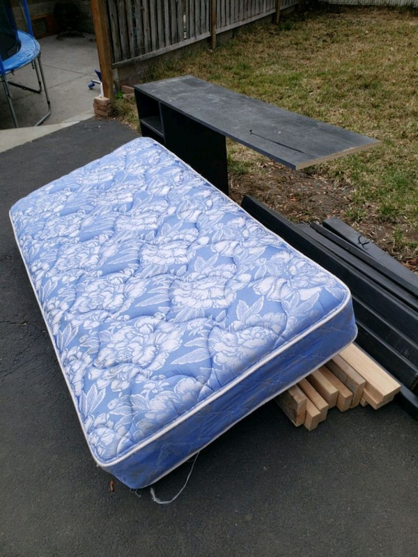used twin bed w mattress shelves and hooks for sale in yakima letgo. Black Bedroom Furniture Sets. Home Design Ideas
