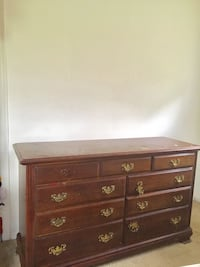 Brown wooden 6-drawer dresser Washington, 20032