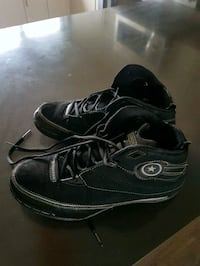 A pair of used Converse still good condition  1957 km