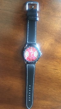 round black and red analog watch Frederica, 19946