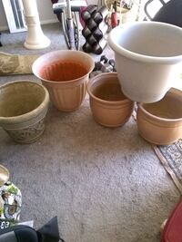5 large plastic planter all in good condition Alexandria, 22306