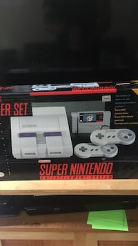SNES console and controller box St. Louis, 63116