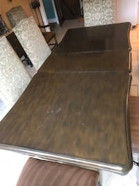 Large dining room table 47 km