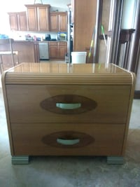 Beautiful night stand like new Clearwater, 33755