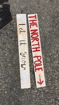 Wooden signs - Christmas theme 7$ for 2 or 5$ each  Barrie, L4N 6J4