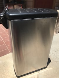 Stainless Steele 13 gallon trash can  Alpine, 91901