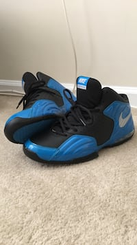 Pair of blue and black nike basketball shoes size 10.5 Germantown, 20876