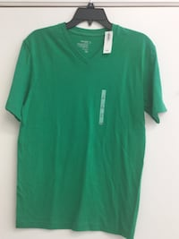 Old navy shirt, size small, never worn Smithtown, 11787