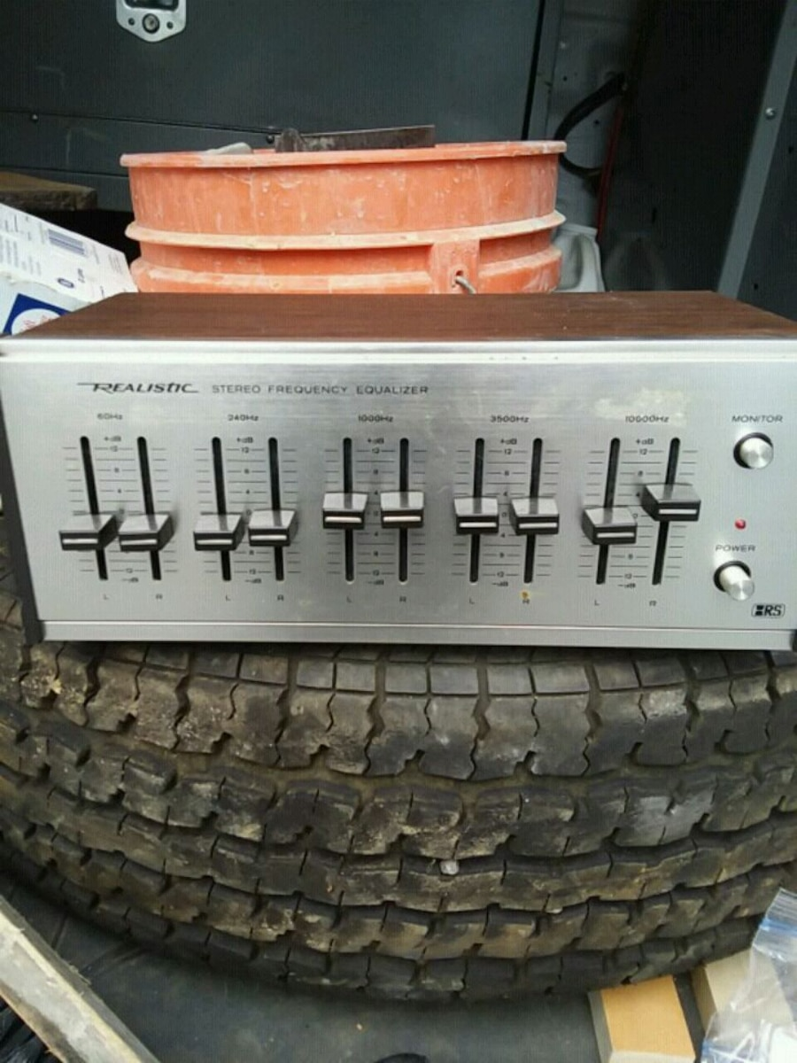 Photo Realistic Stereo Frequency Equalizer