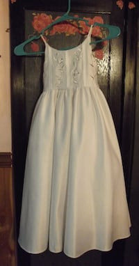 WHITE SATIN GIRLS SPECIAL OCCASION DRESS SIZE 3 Hagerstown