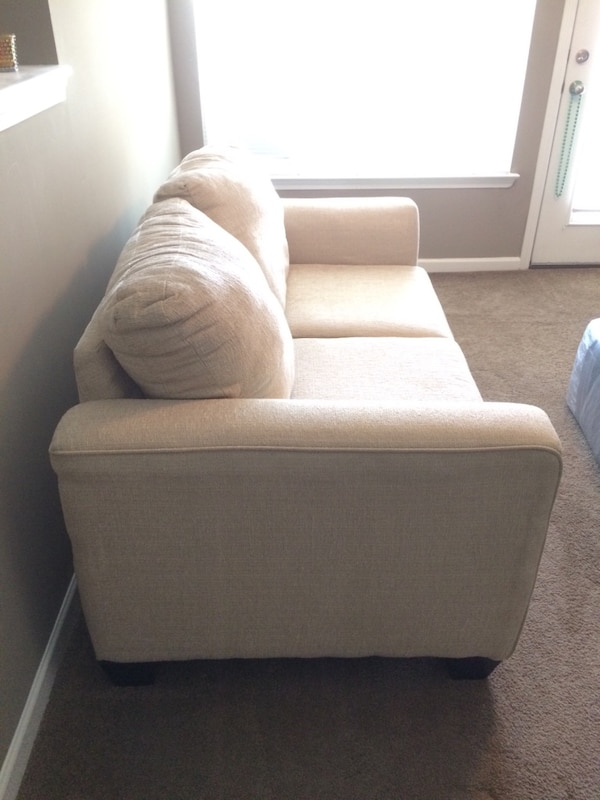 Used Terry Cloth Rooms To Go Loveseat For Sale In Atlanta Letgo