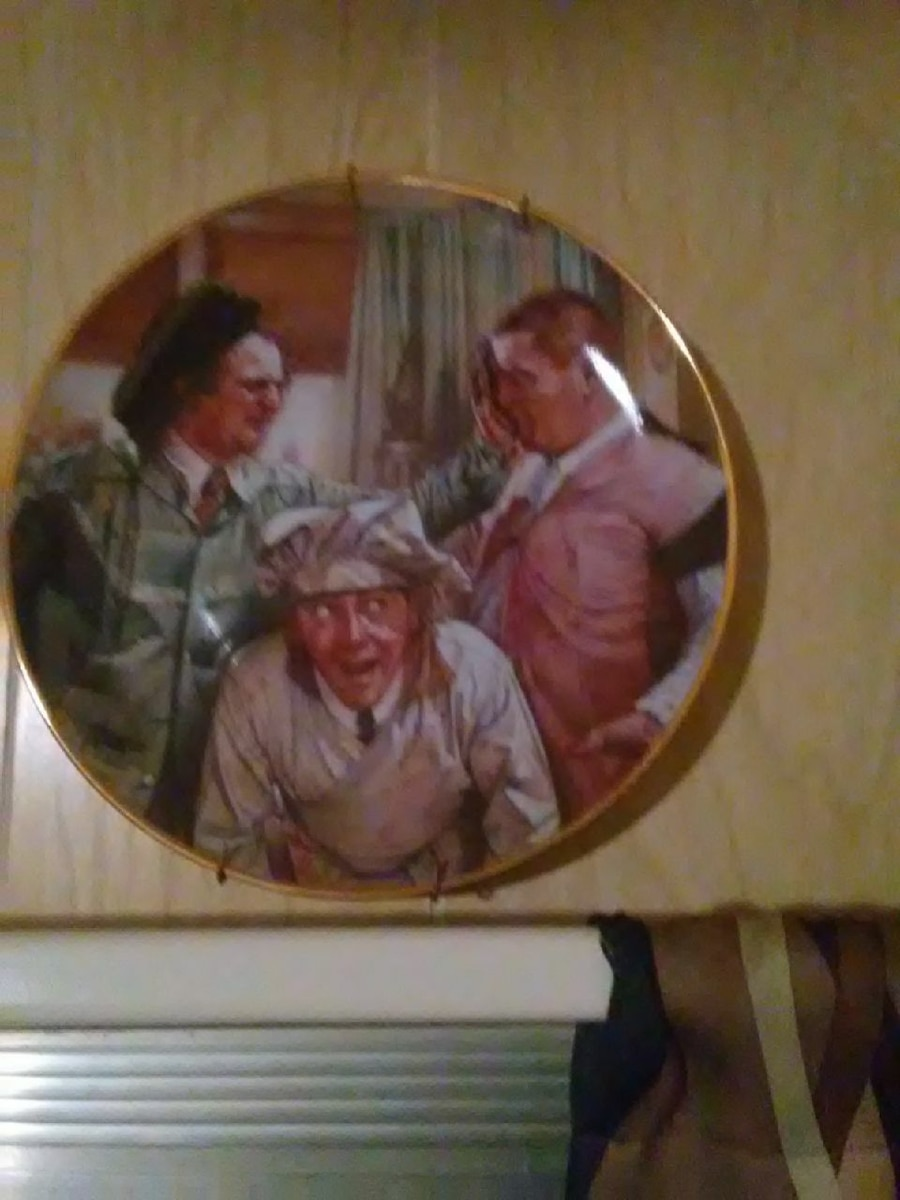 Photo Three Stooges Franklin Mint collectible plate