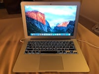 "Macbook air 15"" i5 3015 23 km"