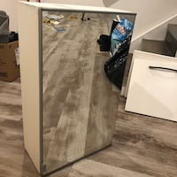 Ikea medicine cabinet with mirror front  Toronto, M4B 1Z9