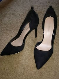pair of black pointed-toe heeled shoes Roseville, 95661