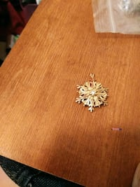 gold-colored Snowflake  pendant Anderson, 96007