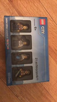 Lego city limited edition mini figure October pack