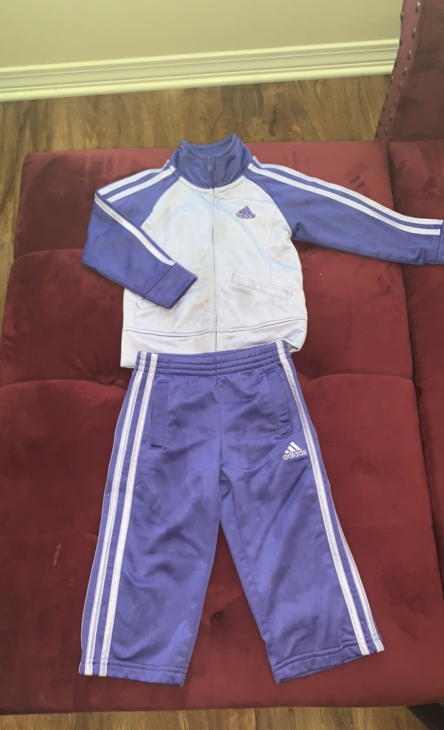Photo Adidas jacket and pants set size 2t