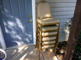 Chair 6 in fair condition. Was in home.