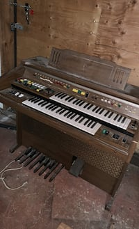Working musical organ .,opel to offers