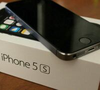 Space gray iphone 5s with box (64gb) Unlocked