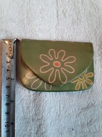 Little change purse Calgary, T2A 6E4