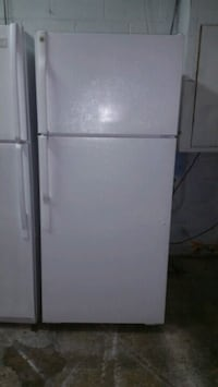 16 cu ft White Ge Top Mount Refrigerator Anniston, 36201