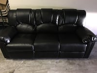 BLACK RECLINER COUCH Fairfax