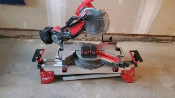 Milwaukee Fuel 10 Mitre Saw Full Package