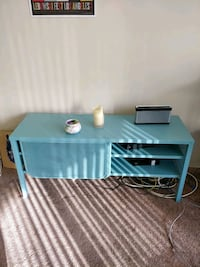 """Ikea metal tv stand, good for tv up to 55""""  Vancouver, V6E 1P5"""