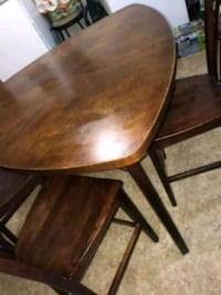 brown wooden dining table set Baltimore, 21216