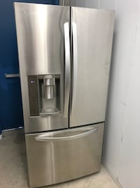 "LG 33"" French Door Refrigerator (delivery included)"