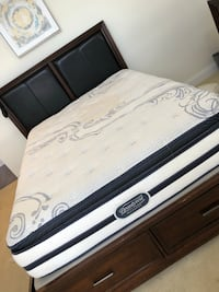 Queen size beautyrest bedroom set like new Cohoes, 12047