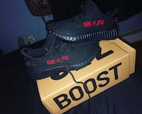 Yeezy kids black and red Jersey City, 07304