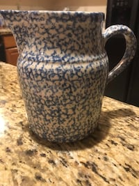 HENN Spongewear large blue pitcher, medium pink pitcher, and a pink sugar bowl and creamer  Each $30 and sugar bowl and creamer sold as a set  OBO   Woodbridge, 22193
