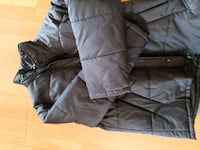 svart zip-up boble jakke 6250 km