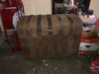 Antique trunk Creswell, 97426