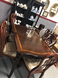 Brown wooden dining table set Danielsville, 30633