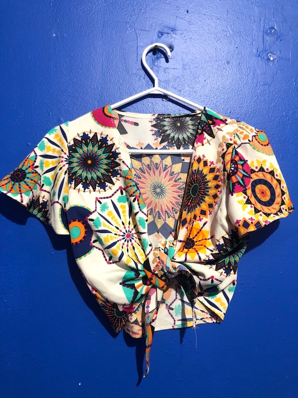 Summer clothing for $7-10 d034dcf0-5970-4e16-aa84-af2149a03b8e