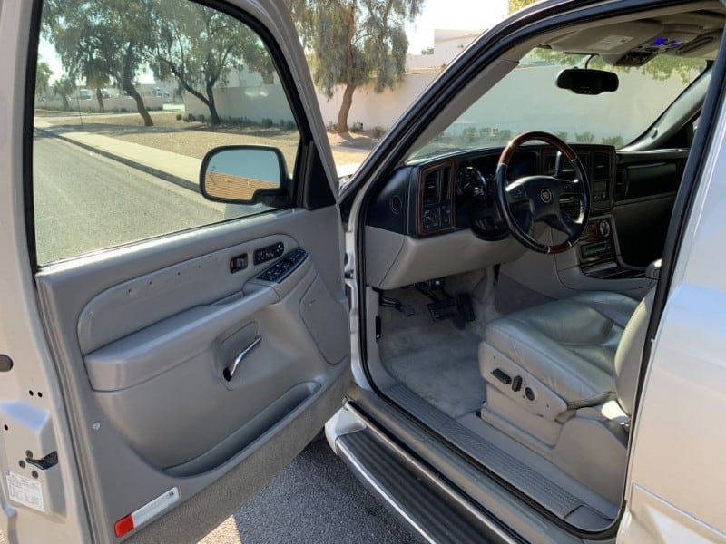 2005 CADILLAC ESCALADE LUXURY 6